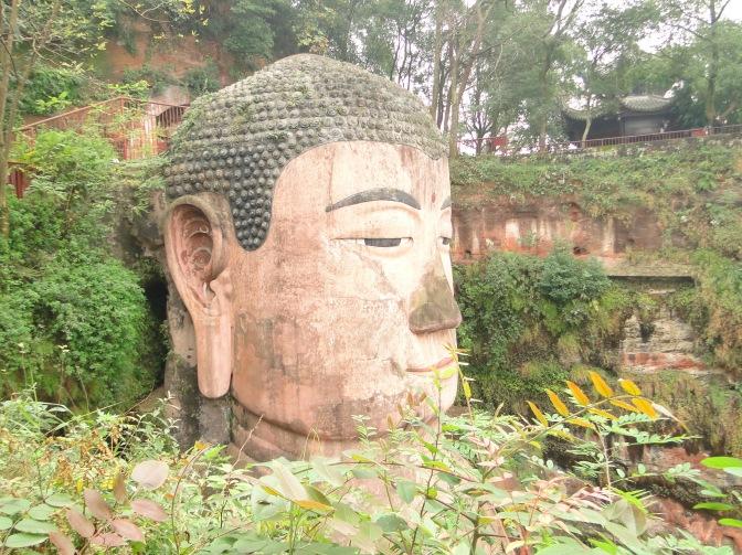 Le Bouddha géant de Leshan et les pandas du Sichuan.