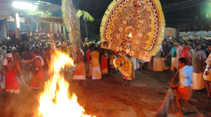 Le rituel du Padayani.